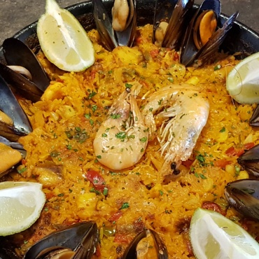 Seafood and fish paella