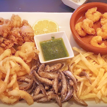 Fish and seafood fried